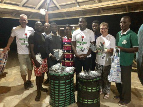 La collecte des déchets plastiques a Liati Wote.